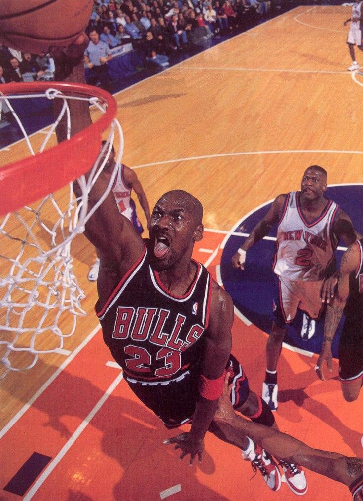 KnicksDunkLarryJohnson
