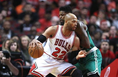 9635986-amir-johnson-taj-gibson-nba-boston-celtics-chicago-bulls-850x560