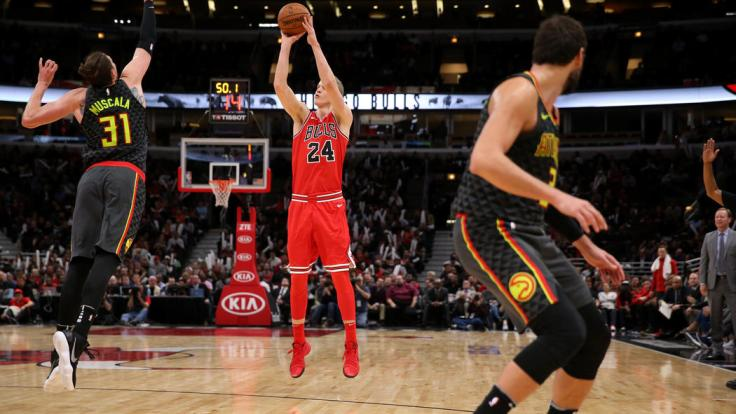 ct-bulls-hawks-photos-20171026-017