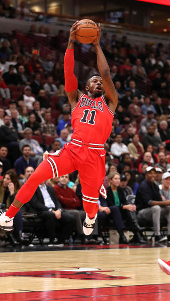 ct-bulls-hawks-photos-20171026-023